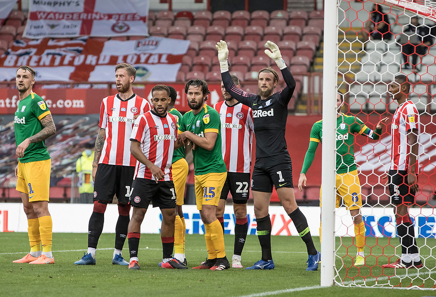 Preston North End's goalkeeper Declan Rudd prepares to defend a corner kick <br /> <br /> Photographer Andrew Kearns/CameraSport<br /> <br /> The EFL Sky Bet Championship - Brentford v Preston North End - Wednesday 15th July 2020 - Griffin Park - Brentford <br /> <br /> World Copyright © 2020 CameraSport. All rights reserved. 43 Linden Ave. Countesthorpe. Leicester. England. LE8 5PG - Tel: +44 (0) 116 277 4147 - admin@camerasport.com - www.camerasport.com