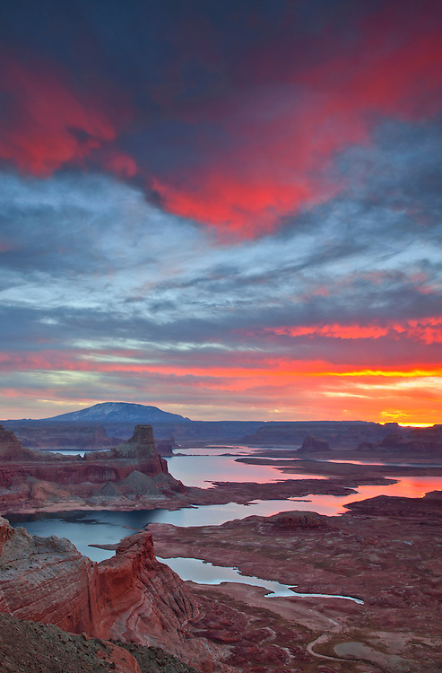 Stormy winter sunrise view overlooking Lake Powell from Alstrom Point, Glen Canyon National Recreation Area, Arizona, USA