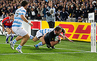 Rugby World Cup Auckland  New Zealand v Argentina Quarter Final 4 - 09/10/2011.Kieran Reed  (New Zealand)  scores disallowed try.Photo Frey Fotosports International/AMN Images