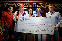 CARSON, CA--Drew Carey vs. US Soccer fundraiser for the Mooch Memorial Fund. TUESDAY, JUNE 5, 2007. PHOTO BY DON FERIA/INTERNATIONAL SPORTS IMAGES.