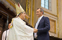 Il Cardinale Crescenzio Sepe celebra messa per il suo decennale i arcivescovato a Napoli<br /> nella foto con il sindaco Luigi De Magistreis