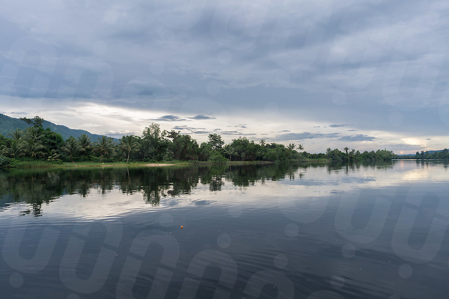 September 20, 2016 - Kampot (Cambodia). A view of the stretch of river in front of Green house guesthouse. © Thomas Cristofoletti / Ruom