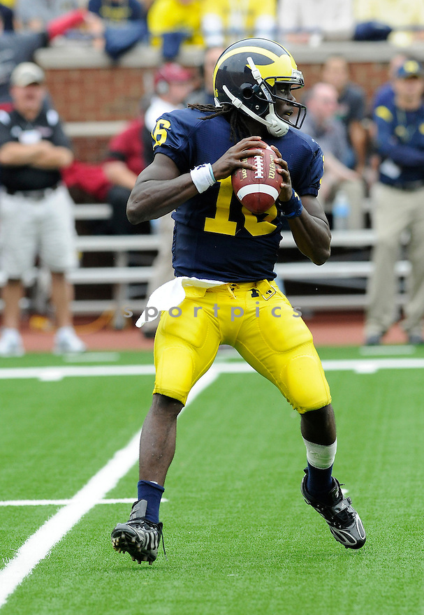 DENARD ROBINSON, of University of Michigan, in action during the MICHIGAN game against the UMass on September 18, 2010 in Ann Arbor, Michigan...Michigan wins 42-37..SportPics