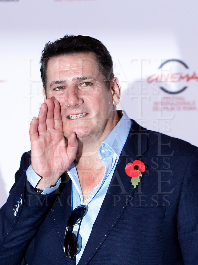"Il frontman degli Spandau Ballet Tony Hadley posa durante un photocall per la presentazione del film documentario ""Soul Boys of the Western World - Spandau Ballet: il film"" al Festival Internazionale del Film di Roma, 20 ottobre 2014.<br /> Spandau Ballet frontman Tony Hadley poses for a photocall to present the documentary movie ""Soul Boys of the Western World"" during the international Rome Film Festival at Rome's Auditorium, 20 October 2014.<br /> UPDATE IMAGES PRESS/Isabella Bonotto"
