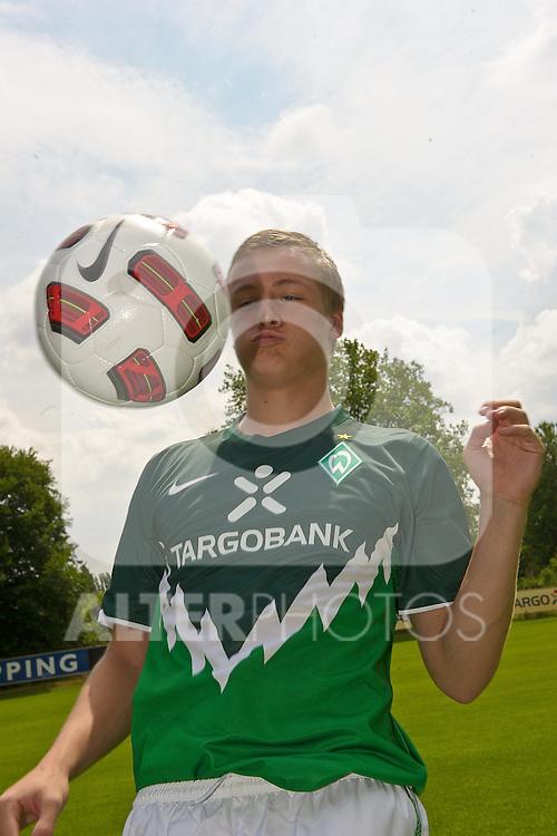 05.07.2010, Platz 5, Bremen, GER, Training Werder Bremen 1. FBL im Bild  Felix Kroos (Bremen #18)   Foto © nph / Kokenge