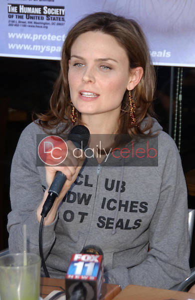 Emily Deschanel<br />at the Los Angeles event for &quot;Save The Seals&quot;. Real Food Daily, West Los Angeles, CA. 03-28-07<br />Dave Edwards/DailyCeleb.com 818-249-4998