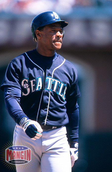 SAN FRANCISCO, CA - Rickey Henderson of the Seattle Mariners runs the bases during a game against the San Francisco Giants at Pacific Bell Park in San Francisco, California on June 10, 2000. Photo by Brad Mangin