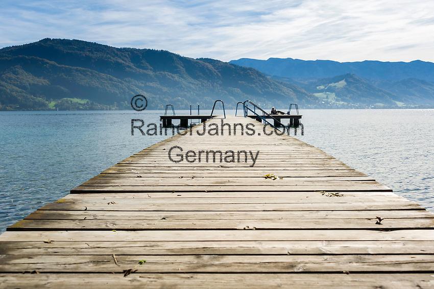 Austria, Upper Austria, Salzkammergut, near Litzlberg at Lake Attersee: bathing jetty | Oesterreich, Oberoesterreich, Salzkammergut, bei Litzlberg am Attersee: Badesteg