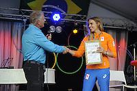 ZEILEN: WARTEN: 27-08-2016, Huldiging Marit Bouwmeester, Marit wordt benoemd tot erelid van haar zeilvereniging de Kruiswaters, ©foto Martin de Jong