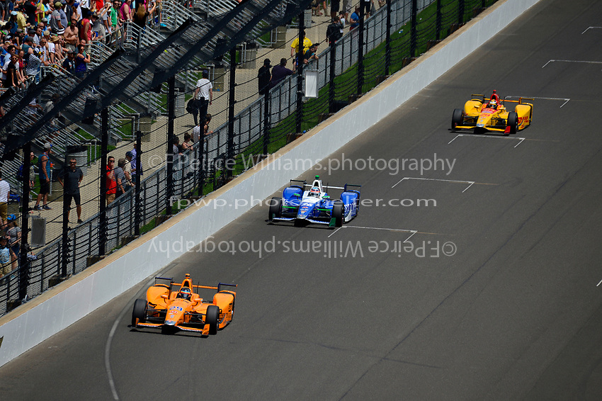 Verizon IndyCar Series<br /> Indianapolis 500 Race<br /> Indianapolis Motor Speedway, Indianapolis, IN USA<br /> Sunday 28 May 2017<br /> Fernando Alonso, McLaren-Honda-Andretti Honda, Takuma Sato, Andretti Autosport Honda, Ryan Hunter-Reay, Andretti Autosport Honda<br /> World Copyright: F. Peirce Williams<br /> LAT Images