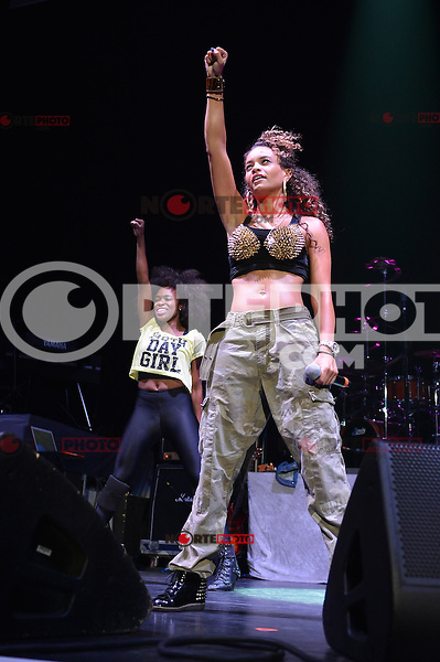 MIAMI, FL - AUGUST 30: Starshell performs during The Liberation Tour at American Airlines Arena on August 30, 2012 in Miami, Florida.  (photo by: MPI10/MediaPunch Inc.) /NortePhoto.com<br /> <br /> **SOLO*VENTA*EN*MEXICO**<br />  **CREDITO*OBLIGATORIO** *No*Venta*A*Terceros*<br /> *No*Sale*So*third* ***No*Se*Permite*Hacer Archivo***No*Sale*So*third*