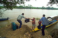 Mexican border, Guatemala, October 2005. After crossing the border river between Mexico and Guatemala, we pass several Indian villages on the way to Tikal. Guatemala is a colorful country with mix of many ancient Indian civilisations and Spanish colonial occupation. Photo by Frits Meyst/Adventure4ever.com
