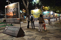 RIO DE JANEIRO-10 DE MAIO DE 2012-Exposição: A Terra vista do Céu do Fotógrafo Yann Arthus Bertrand. Cinelândia, Rio de Janeiro. Foto: Marcelo Fonseca Brazil Photo Press