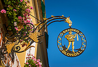 Oesterreich, Niederoesterreich, Kulturlandschaft Wachau - UNESCO Weltkultur- und Naturerbe, Duernstein: Hotel Restaurant Saenger Blondel, Zunftschild | Austria, Lower Austria, Wachau Cultural Landscape - UNESCO World's Cultural and Natural Heritage, Duernstein: Hotel Restaurant Singer Blondel, guild sign