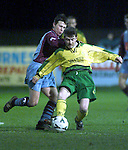Bangor Celtic's Wesley Devereaux gets ahead of Drogheda United's Colm Murphy during thier cup encounter at United Park..Picture: Paul Mohan/Newsfile