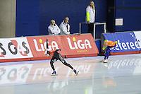 SCHAATSEN: Calgary: Essent ISU World Sprint Speedskating Championships, 28-01-2012, 1000m Dames, wereldrecord, Christine Nesbitt (CAN), Annette Gerritsen, ©foto Martin de Jong
