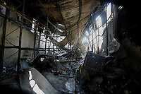 Rio de Janeiro,4 de julho de 2012- No início da  manhã desta  quarta-feira(4) anexo ao  hospital  Universitário Predro Enesto,amanheceu pegando fogo, segundo  bombeiro uma  vítima faleceu no local .<br /> Guto Maia Brazil Photo Press