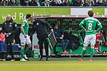 13.04.2019, Weserstadion, Bremen, GER, 1.FBL, Werder Bremen vs SC Freiburg<br /> <br /> DFL REGULATIONS PROHIBIT ANY USE OF PHOTOGRAPHS AS IMAGE SEQUENCES AND/OR QUASI-VIDEO.<br /> <br /> im Bild / picture shows<br /> Spielerwechsel Werder Bremen, Einwechslung Claudio Pizarro (Werder Bremen #04), Auswechslung Yuya Osako (Werder Bremen #08), Osako wartet auf die Anzeigetafel, <br /> <br /> Foto &copy; nordphoto / Ewert