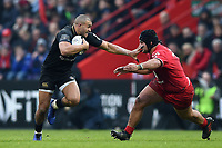 Jonathan Joseph of Bath Rugby goes on the attack. Heineken Champions Cup match, between Stade Toulousain and Bath Rugby on January 20, 2019 at the Stade Ernest Wallon in Toulouse, France. Photo by: Patrick Khachfe / Onside Images