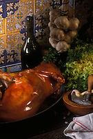 Europe/Espagne/Madrid: Cochon de lait , Restaurant Botin une des tabernas les plus célèbres