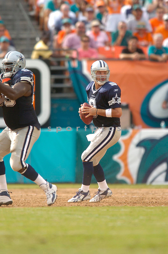TONY ROMO, of the Dallas Cowboy, during the Cowboys game against the Miami Dolphins on September 16, 2007.  The Dallas Cowboys beat the Miami Dolphins 37-10....