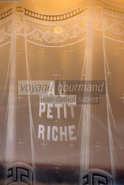 """Europe/France/Ile-de-France/Paris: """"BELLE-EPOQUE"""" - Restaurant """"Le Petit Riche"""" 25 rue Le Peltier<br /> PHOTO D'ARCHIVES // ARCHIVAL IMAGES<br /> FRANCE 1990"""