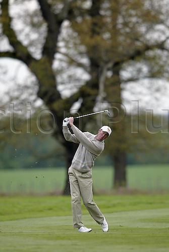 7 May 2004: Australian golfer Richard Green looks into the distance after playing an iron from a fairway during the second round of the Daily Telegraph Damovo British Masters played at the Marriott Forest of Arden, Birmingham. Photo: Neil Tingle/Action Plus..040507 golf golfer golfers