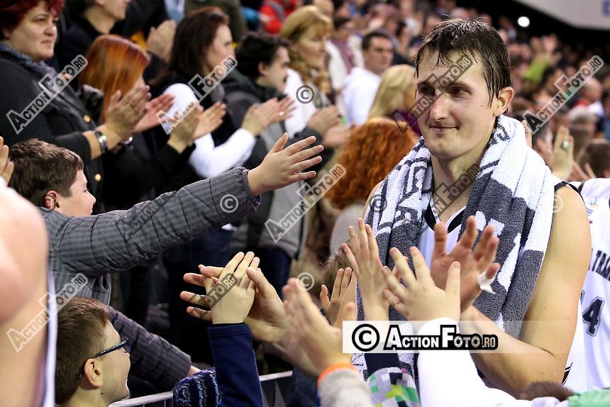 Branko Jorovic saluta publicul la finalul meciului