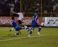 Brian Ching chases down the ball during FIFA World Cup qualifier against El Salvador. USA tied El Salvador 2-2 at Estadio Cuscatlán Stadium in El Salvador on March 28, 2009.