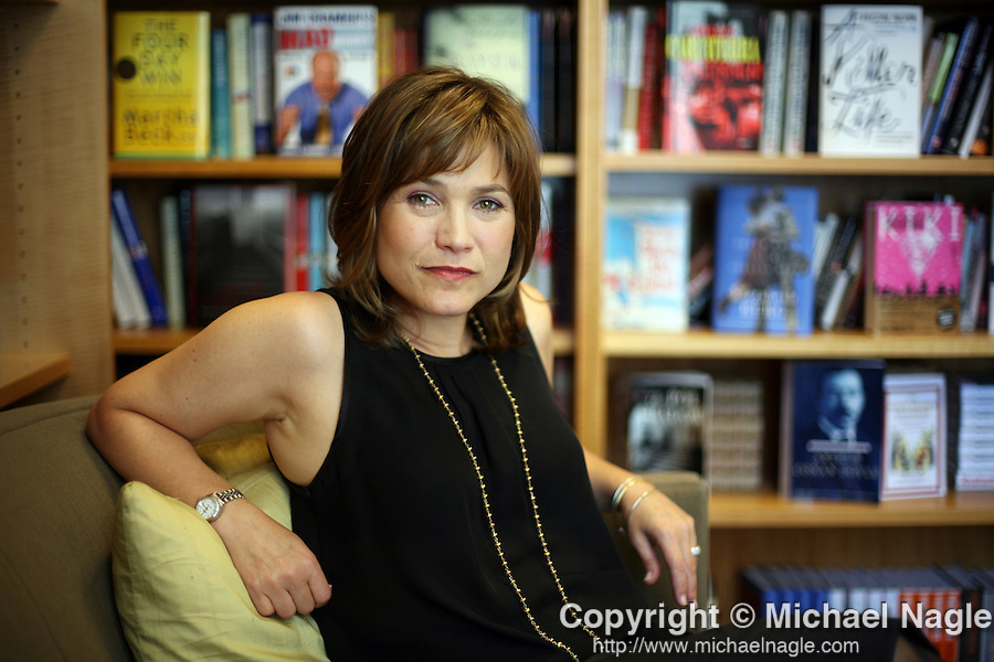NEW YORK - JULY 25, 2007:   Literary agent Suzanne Gluck poses for a portrait in her office at William Morris on July 25, 2007 in New York Times.  (PHOTOGRAPH BY MICHAEL NAGLE)