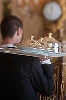 Europe/Monaco/Monte Carlo: Service au restaurant: Louis XV / Alain Ducasse à l'Hôtel de Paris