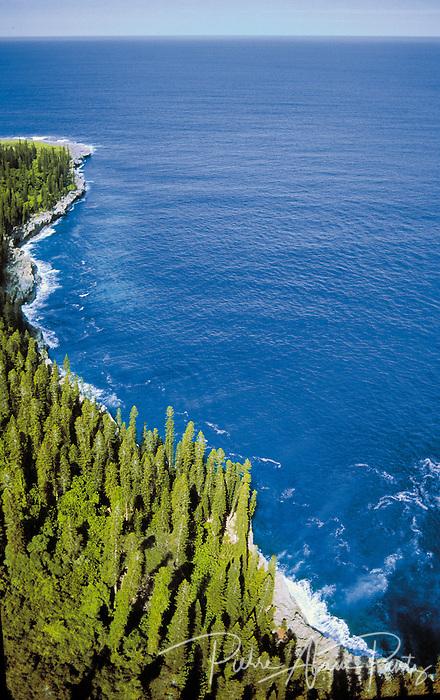 Maré, côte corallienne