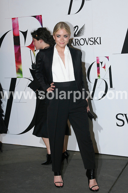 **ALL ROUND PICTURES FROM SOLARPIX.COM**.**SYNDICATION RIGHTS FOR UK, SPAIN, PORTUGAL, AUSTRALIA, S.AFRICA & DUBAI (U.A.E) ONLY**.arrivals for the 2008 CFDA Fashion Awards at the  New York Public Library, New York City, NY, USA. 2nd June 2008..This pic: Ashley Olsen..JOB REF: 6576 PHZ/Wild1    DATE: 02_06_2008.**MUST CREDIT SOLARPIX.COM OR DOUBLE FEE WILL BE CHARGED* *UNDER NO CIRCUMSTANCES IS THIS IMAGE TO BE REPRODUCED FOR ANY ONLINE EDITION WITHOUT PRIOR PERMISSION*