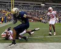 November 08, 2008: Pitt wide receiver Oderick Turner scores on a 26-yard touchdown catch. The Pitt Panthers defeated the Louisville Cardinals 41-7 on November 08, 2008 at Heinz Field, Pittsburgh, Pennsylvania.
