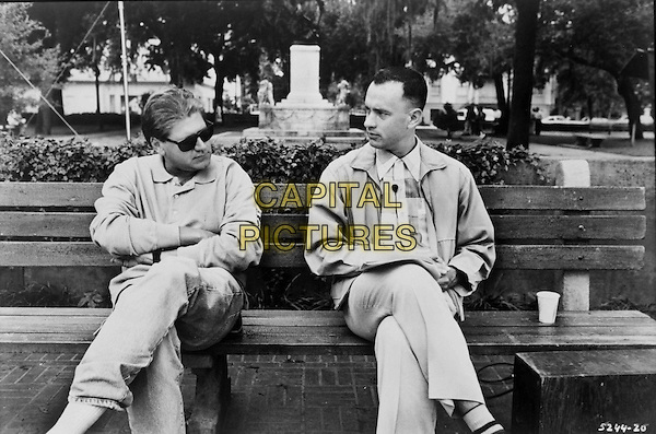 Robert Zemeckis (Director), Tom Hanks <br /> on the set of Forrest Gump (1994)<br /> *Filmstill - Editorial Use Only*<br /> CAP/NFS<br /> Image supplied by Capital Pictures