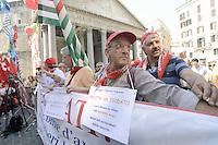 Roma, 26 Luglio 2012.Piazza del Pantheon.Lavoratrici e lavoratori senza più posto fisso e senza pensione protestano in piazza della Rotonda per la manifestazione indetta dai sindacati confederali Cgil, Cisl e Uil.