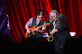 HALL AND OATES (2015)