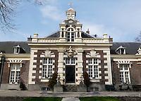 Het Asyl voor Oude en Gebrekkige Zeelieden is een hofje bestaande uit 14 woningen in de Zuid-Hollandse plaats Brielle.