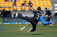 Matt Henry fields during the One Day International cricket match between NZ Black Caps and India at Westpac Stadium in Wellington, New Zealand on Sunday, 3 February 2019. Photo: Dave Lintott / lintottphoto.co.nz