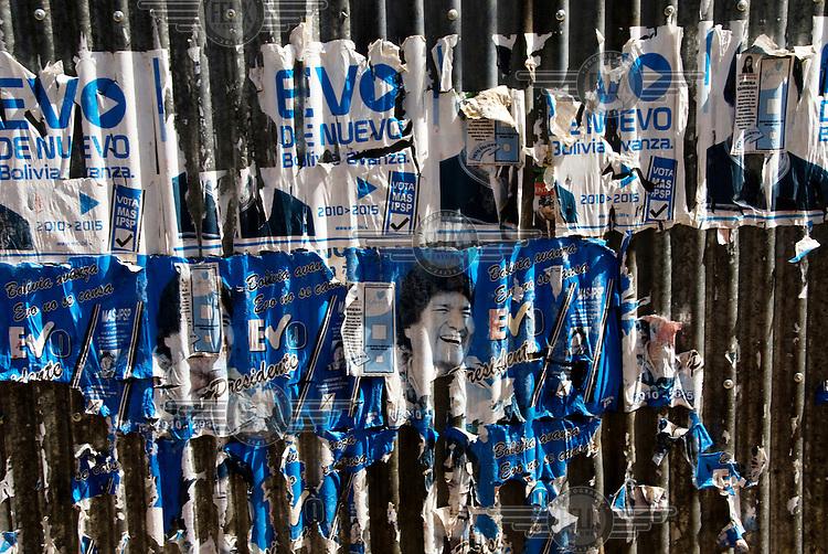 Peelingelection posters for President Evo Morales.