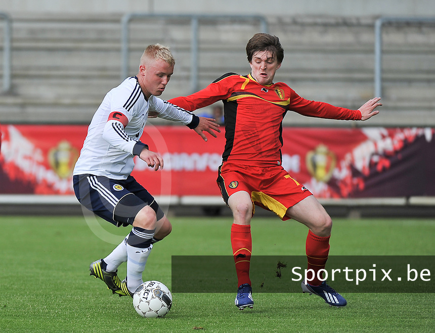 Scotland U19 - Belgium U19 : Jack Grimmer (left) and Thomas Foket (7).foto DAVID CATRY / Nikonpro.be
