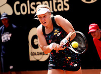 BOGOTÁ -COLOMBIA, 9-04-2018:Anna Blinkova de Rusia le ganó a la colombiana María Osorio ,durante el Claro Open Colsánitas que se juega en El Club Los Lagartos al norte de la Capital ./ Anna Blinkova de Rusia won to Maria Osorio of Colombia , during the Claro Open Colsánitas that is played at El Club Los Lagartos north of the Capital. Photo: VizzorImage/ Felipe Caicedo / Staff
