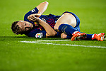 Ivan Rakitic of FC Barcelona lies injured during the La Liga 2017-18 match between FC Barcelona and Sevilla FC at Camp Nou on November 04 2017 in Barcelona, Spain. Photo by Vicens Gimenez / Power Sport Images