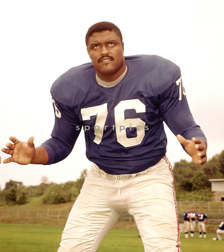 Los Angeles Rams Rosey Grier (76) portrait from his 1962 season with the Los Angeles Rams. Rosey Grier played for 11 season, with 2 different teams and was a 2-time Pro Bowler.(SportPics)