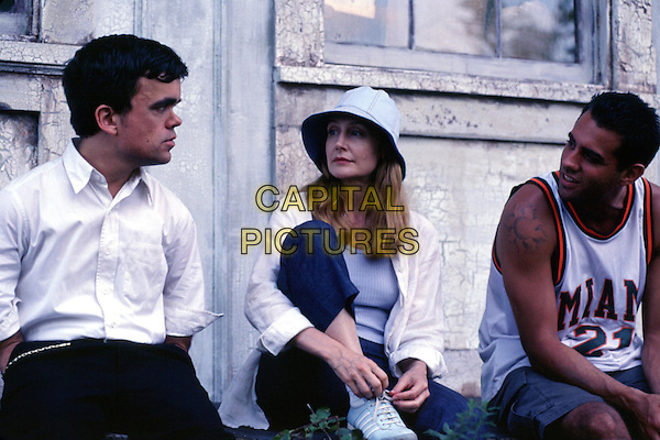 PETER DINKLAGE, PATRICIA CLARKSON & BOBBY CANNAVALE.in The Station Agent.Filmstill - Editorial Use Only.Ref: FB.www.capitalpictures.com.sales@capitalpictures.com.Supplied by Capital Pictures