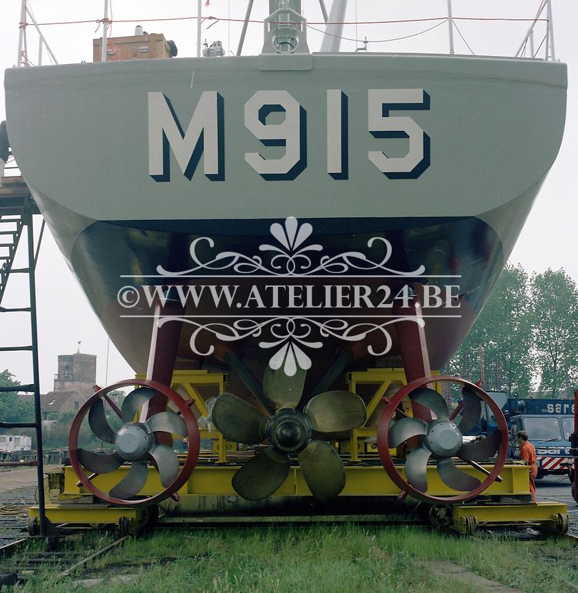 Juni 1985. Mijnenjager Aster M915 van de Belgische Marine bij scheepswerf Mercantile-Belyard in Rupelmonde.
