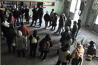 Roma, 27 Marzo 2009.Via Prenestina. <br /> Metropoliz. Senza casa occupano i capannoni abbandonati della ex fabbrica di salumi Fiorucci..L'assemblea.Rome, 27 March 2009.Via Prenestina. Homeless occupy the abandoned warehouses of the former sausage factory Fiorucci..L'assemblea