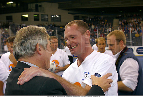 TONY BANKS & PAUL GASCOIGNE, Europe United Masters Football, London Arena, 021013 Photo:Glyn Kirk/Action Plus...2002.Football soccer.indoor 5-a-side politician politicians.