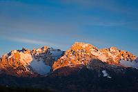 Italy, South Tyrol (Alto Adige-Trentino), Dolomites near Nova Ponente: Alpenglow at Latemar Mountain Range (2.846 m)   Italien, Suedtirol (Alto Adige-Trentino), Dolomiten bei Deutschnofen: Alpengluehen an der Latemar Gruppe (2.846 m)