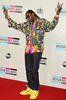 LOS ANGELES, CA - NOVEMBER 24: 2Chainz arriving at the 2013 American Music Awards held at Nokia Theatre L.A. Live on November 24, 2013 in Los Angeles, California. (Photo by Celebrity Monitor)